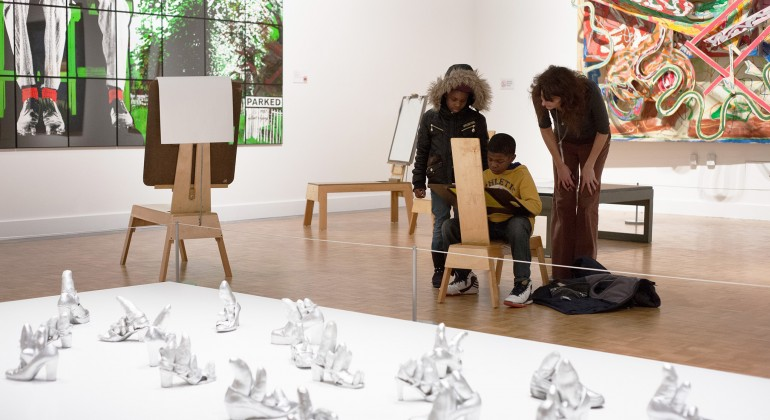 Kids drawing in the modern and contemporary galleries