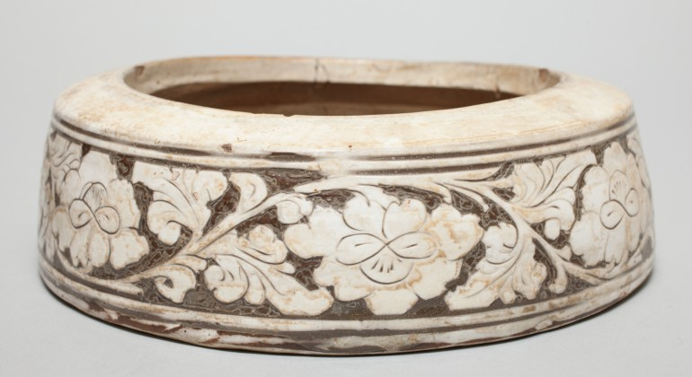 Chinese, Brush Washer, Song dynasty (960–1279), glazed stoneware, 2 3/4 x 8 1/2 inches. Detroit Institute of Arts, Founders Society Purchase, Sarah Bacon Hill Fund, 51.284.