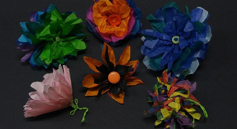 Drop-In Workshop : Paper Flower Garden Wall