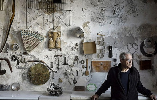 Jay Maisel in his home