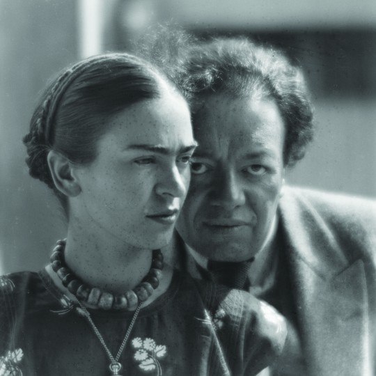 Untitled (Frida Kahlo and Diego Rivera, Mexico City), 1933; Martin Munkácsi, Hungarian. ©The Estate of Martin Munkácsi, Courtesy Howard Greenberg Gallery, NY and International Center of Photography ©2014 Frida Kahlo Corporation. All rights reserved
